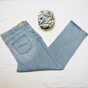 Lee Flex Motion Regular Fit Straight Leg Jeans